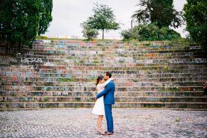 Hochzeitspaar im Mauerpark in Berlin