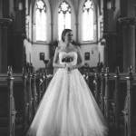 Hochzeitsfotograf-Solingen-Berlin-Tilman-Vogler-Braut-Kirche-Klassisch-Schoen-Elegant-Sanftes-Licht_Hochzeitsfotografie