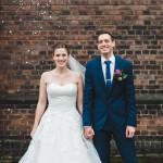 Hochzeitsfotograf-Solingen-Berlin-Tilman-Vogler-Hochzeitspaar-Ohligs-Kirche-Gluecklich-Konfetti_Hochzeitsfotografie