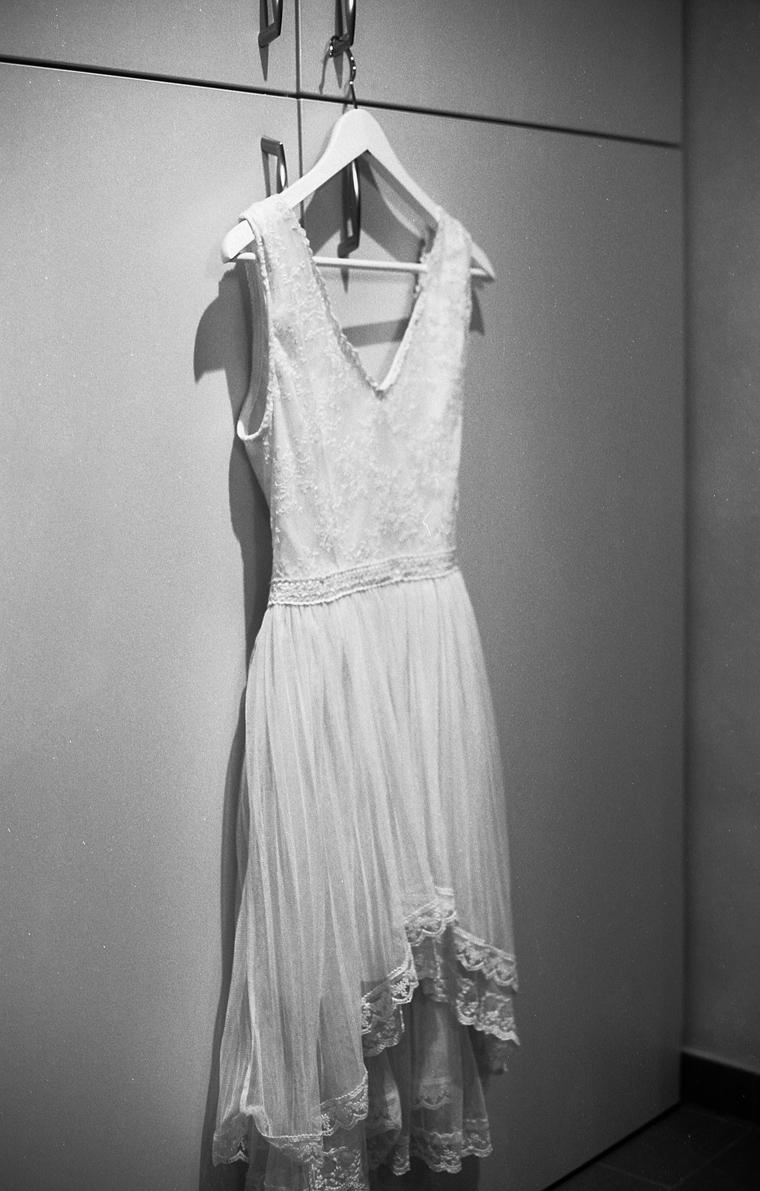 Künstlerisches Schwarz Weiß Foto Hochzeitskleid