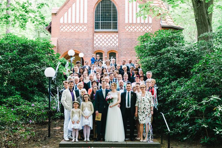 Gruppenfoto einer Hochzeitsgesellschaft in Bad Belzig