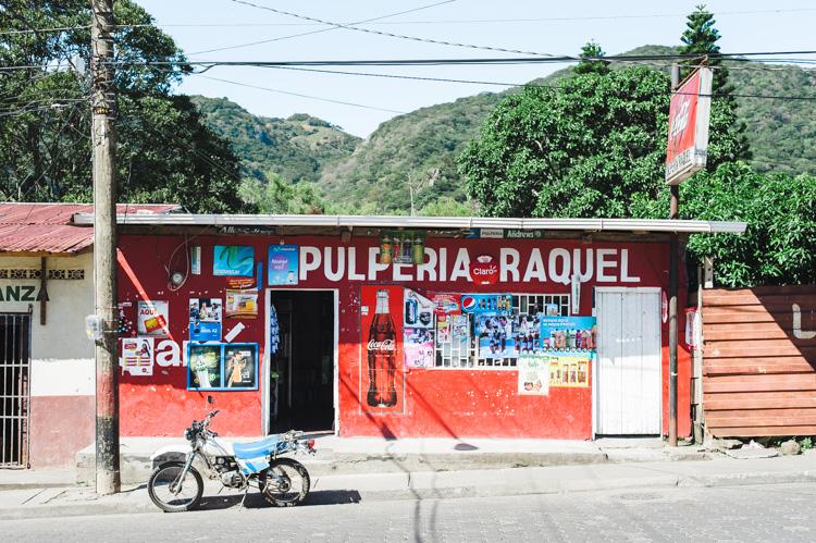 Pulpería - kleine Supermärkte wie dieser gibt es an jeder Straßenecke