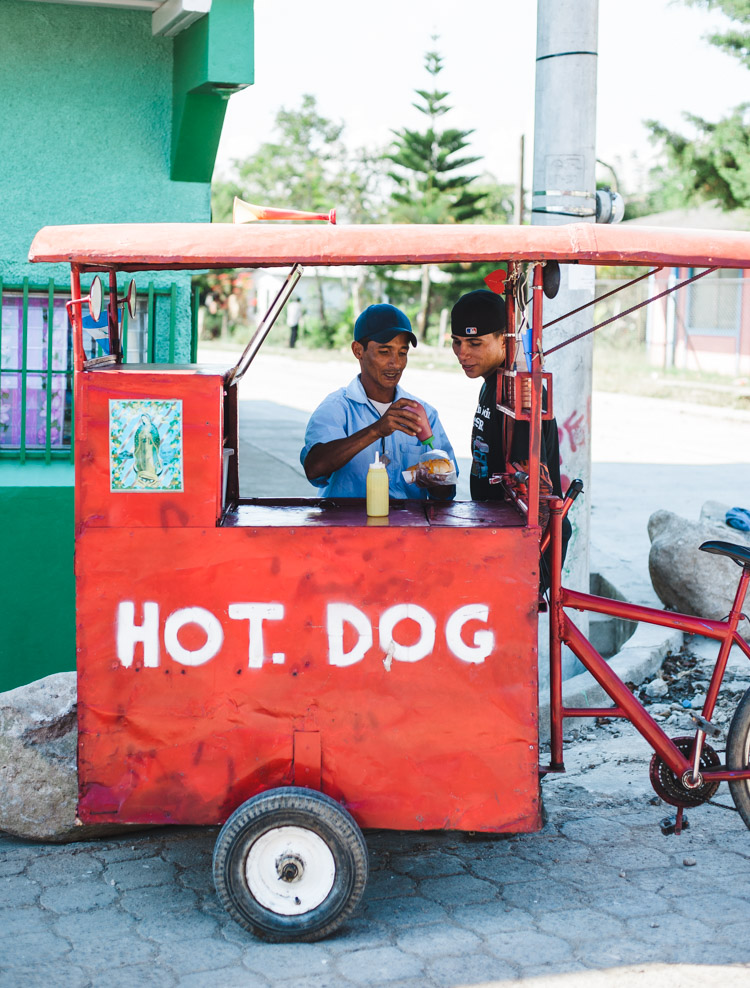 Mobiler Hot-Dog-Verkäufer