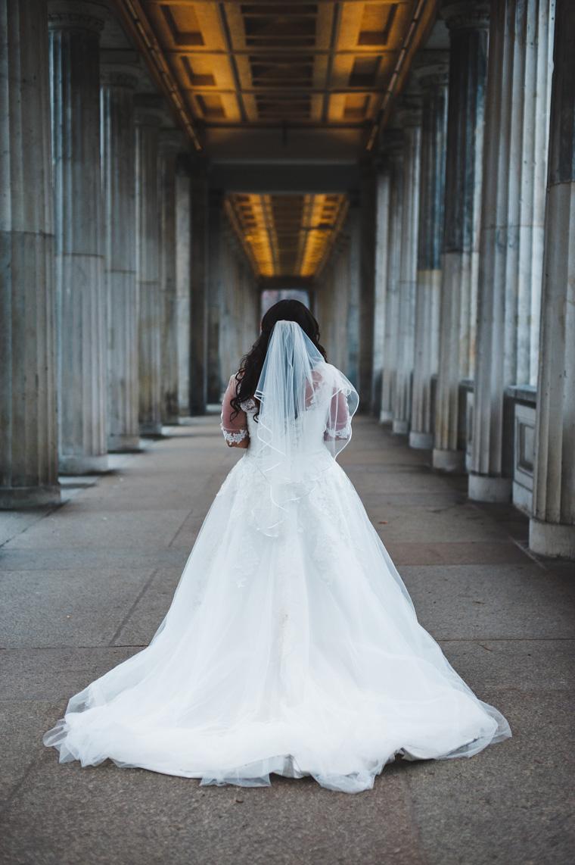 Winterhochzeit Brautkleid mit Schleier