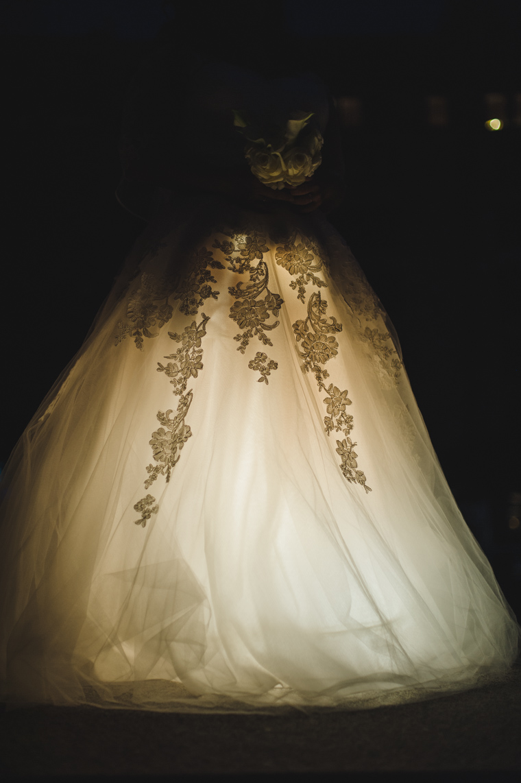 Brautkleid in außergewöhnlichem Licht