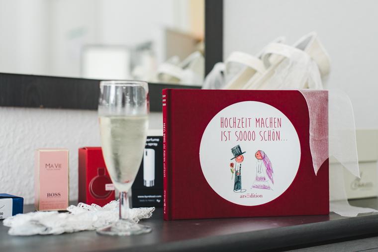 Foto von Buch Hochzeit machen ist soooo schön