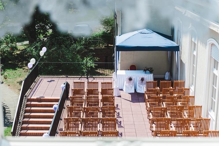 Blick auf die fertig gestaltete Terrasse des Landgut Gühlen