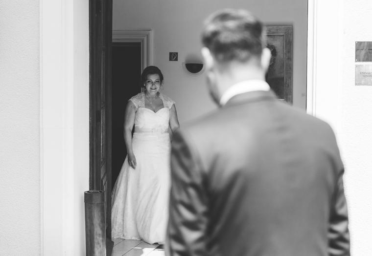 First look Bräutigam sieht Braut zum ersten Mal