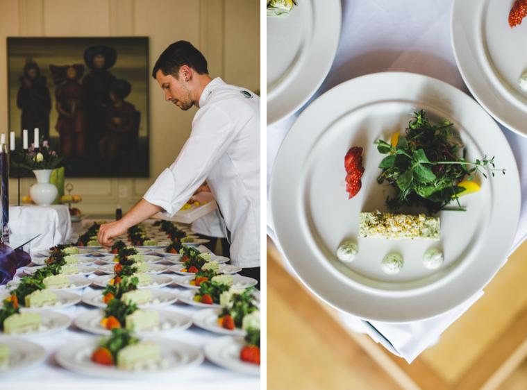 Koch bereit Abendessen zu auf Hochzeit in Brandenburg auf Landgut Gühlen