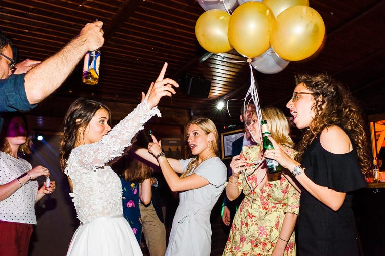 partyfotos hochzeit mit luftballons
