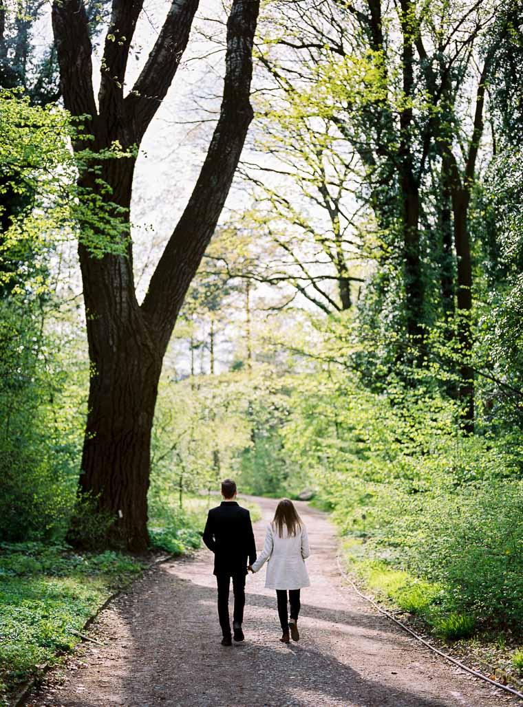 Verlobungsshooting im Botanischen Garten in Berlin