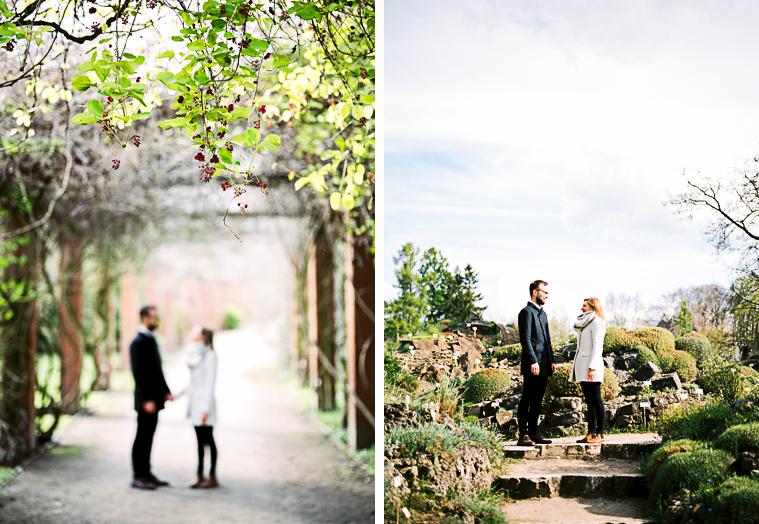 Verlobtes Paar im Botanischen Garten Berlin