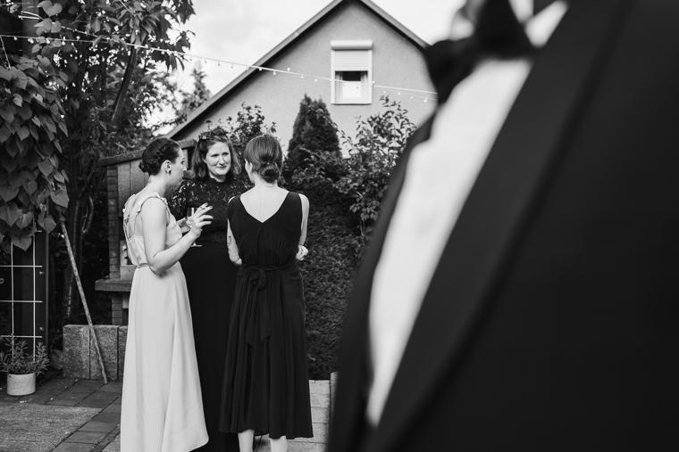 Schwarz Weiß Foto Hochzeitgäste