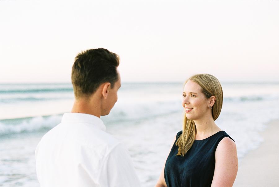 Verlobte am Strand