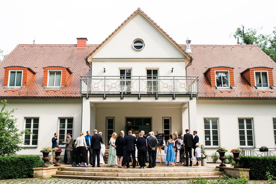 Versammelte Hochzeitsgesellschaft