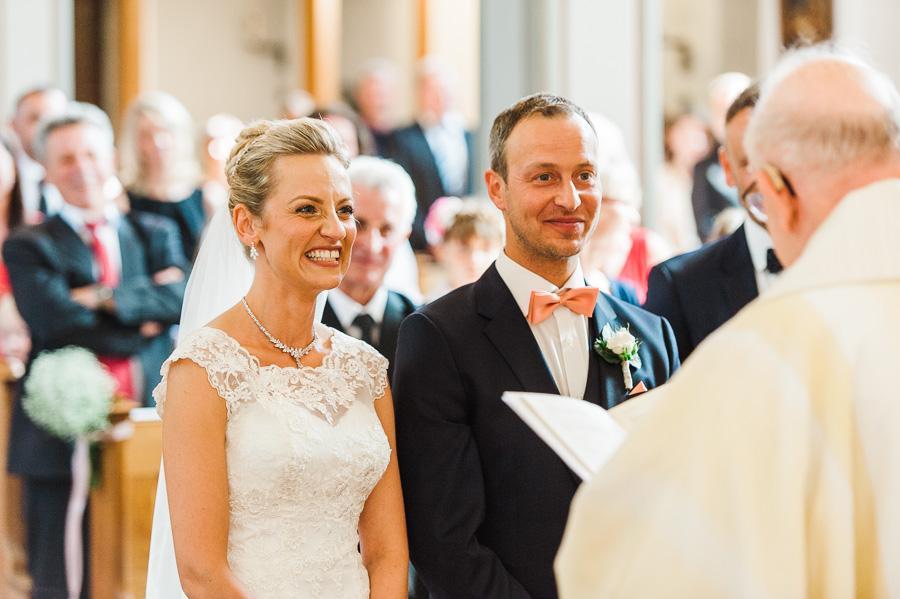 Hochzeitspaar vor dem Ja-Wort