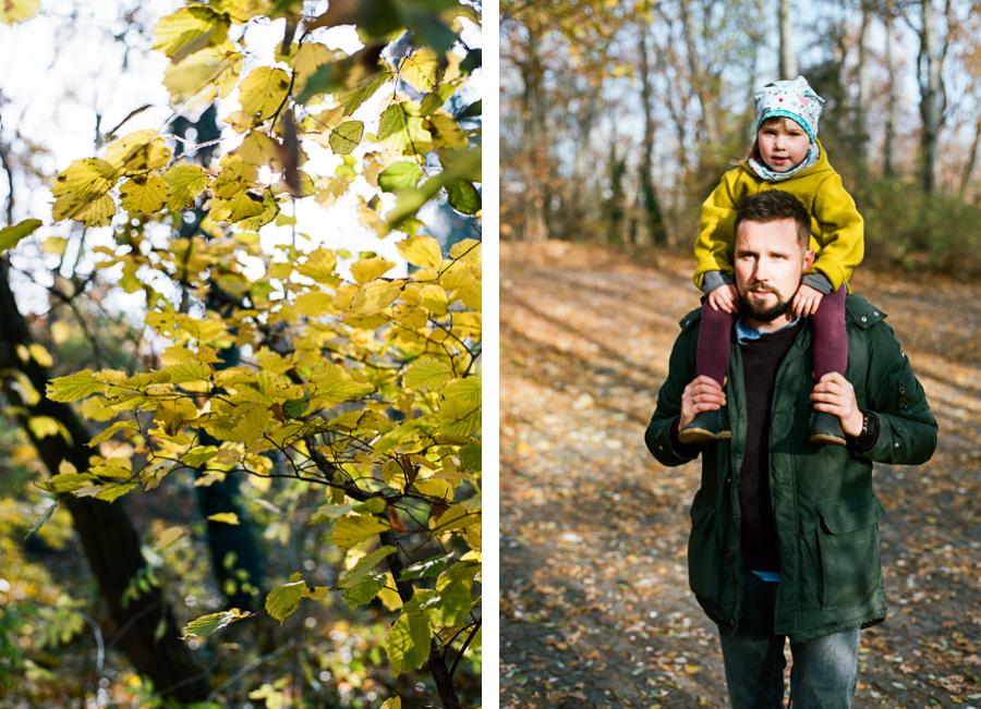 Vater und Tochter in Natur