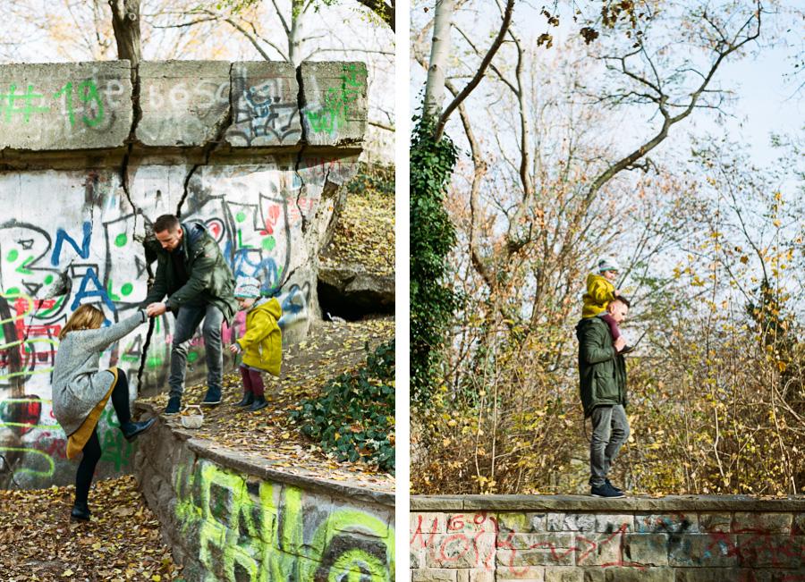 Familie auf dem Großen Bunkerberg in Berlin Friedrichshain