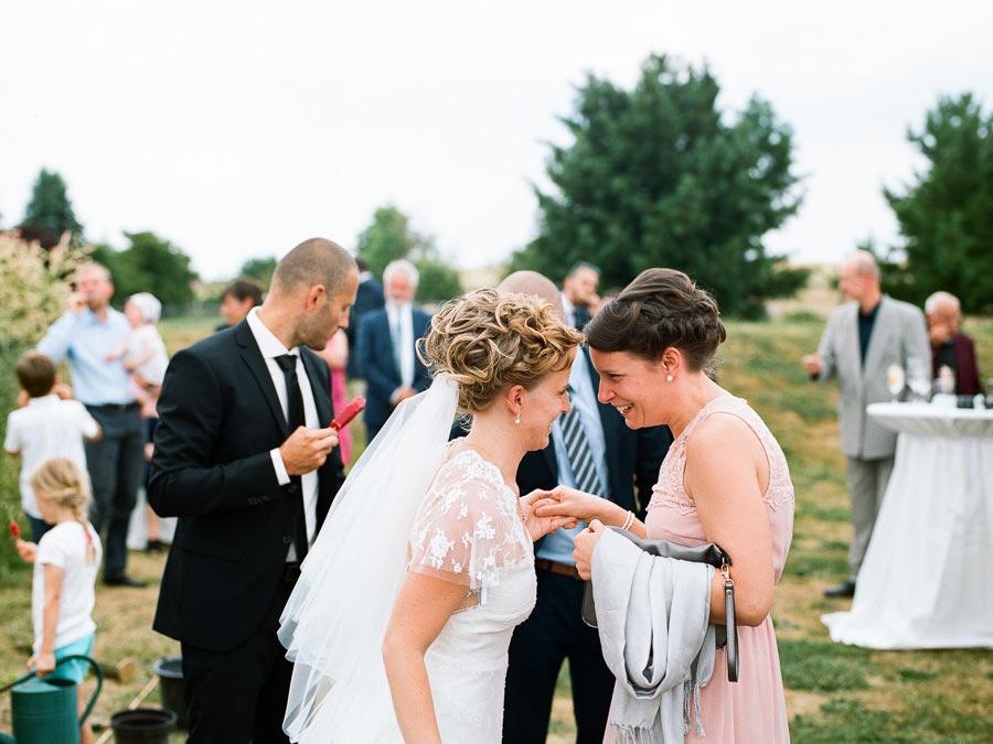 Freundin und Braut