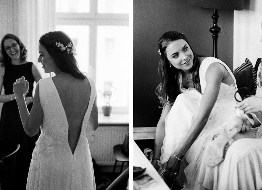 Schwarzweißfotos von Braut beim Ankleiden