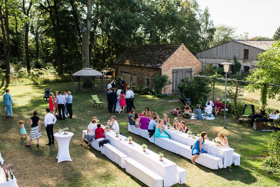 Entspannter Hochzeitsnachmittag