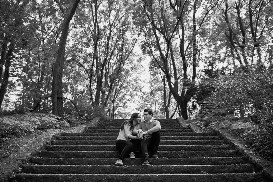 Paarfoto auf Treppe