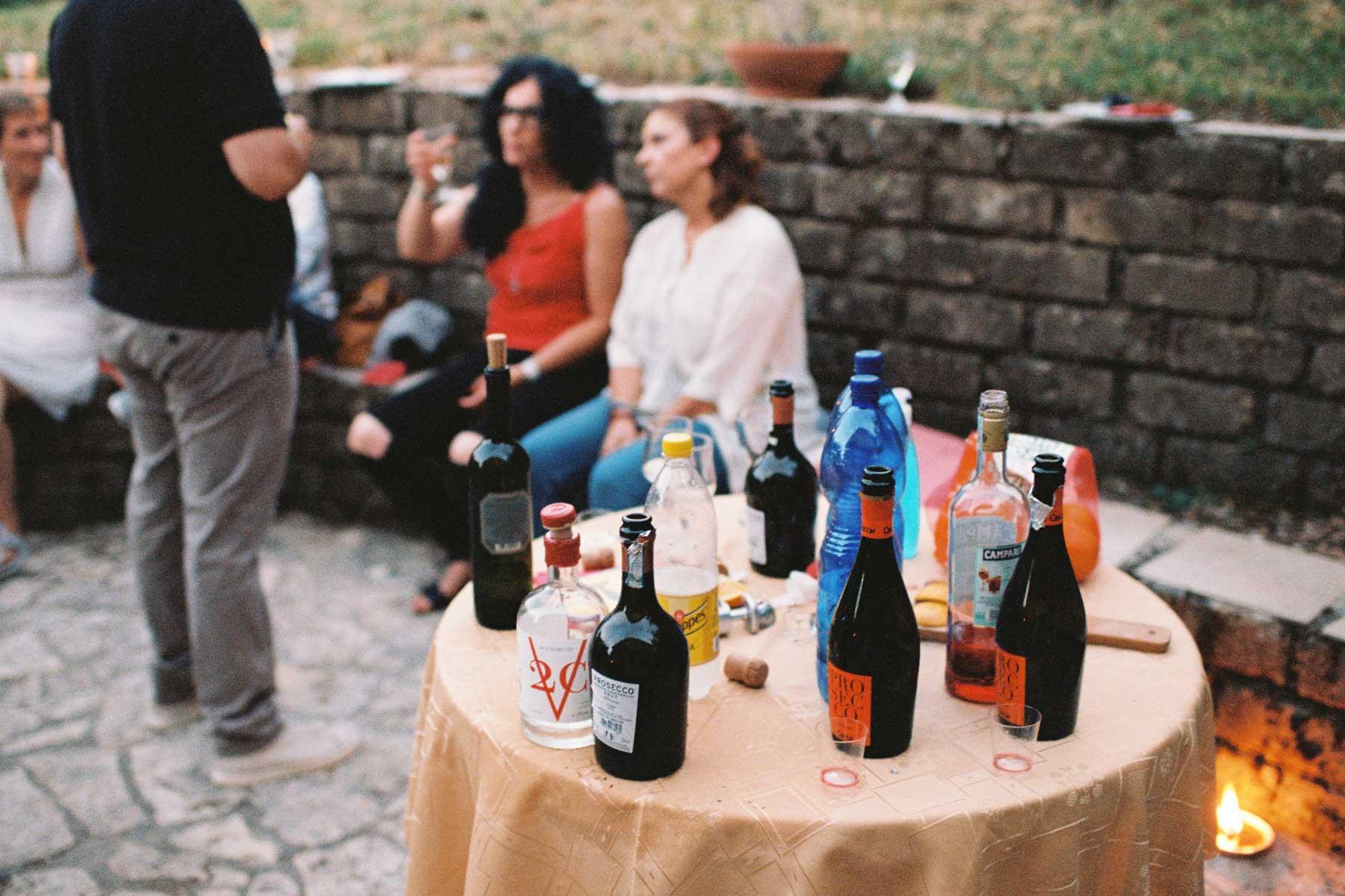 Auswahl italienischer Getränke beim Aperitif